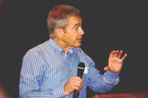 Guy Salmon addresses National's Blue Greens